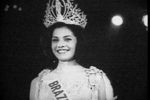 Ieda Maria Vargas venceu o concurso Miss Universo com 18 anos  (Foto: Divulgação RBS TV)