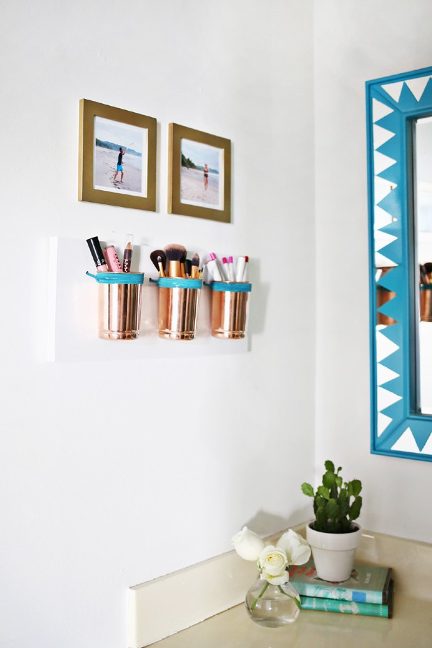 organizadores-na-parede-banheiro (Foto: A Beautiful Mess/Reprodução)
