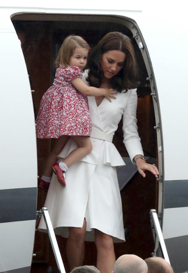 Kate Middleton com Princesa Charlotte (Foto: Getty Images)