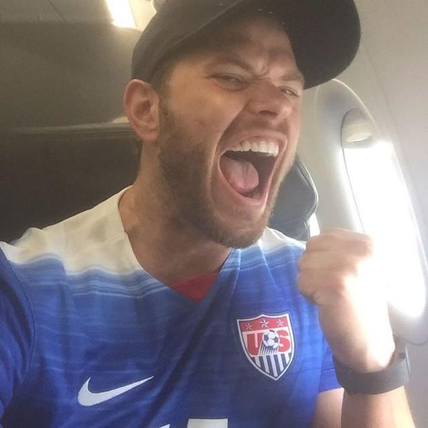 Kellan Lutz com a camisa da seleção dos Estados Unidos (Foto: Instagram/ Reprodução)