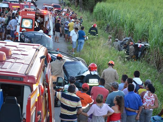 Acidente aconteceu na PB-004, em Santa Rita (Foto: Walter Paparazzo/G1)