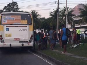 Menores foram revistados pela PM na Lagoa (Foto: Ricardo Abreu / Arquivo pessoal)