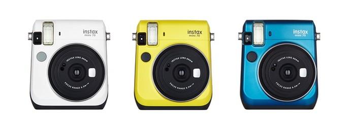 Nova Instax Mini 70 funciona como uma Polaroid e tem modo selfie (Foto: Divulgação/Fujifilm)