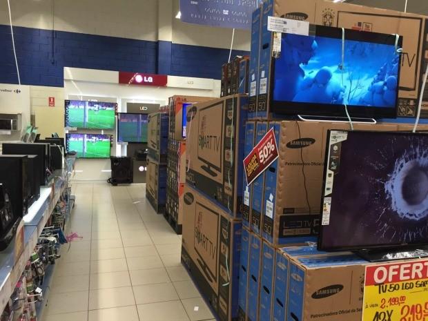 Televisores e notebooks são principais ofertas (Foto: Diego Toledano/G1 AM)