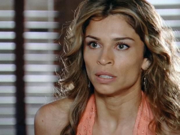 Ester discute com Alberto (Foto: Flor do Caribe / TV Globo)