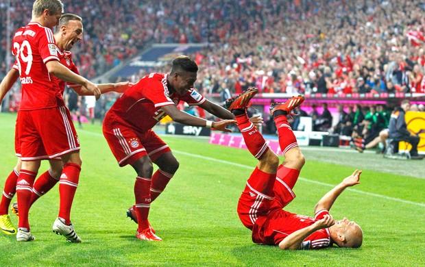 Kroos, Ribery e Robben comemoração Bayern de Munique contra o Borussia Moenchengladbach  (Foto: Agência Reuters)