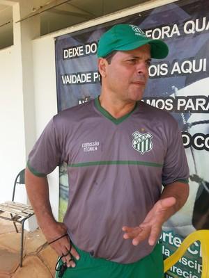 Paulinho McLaren, técnico do Uberlândia Esporte (Foto: Hismênia Keller)