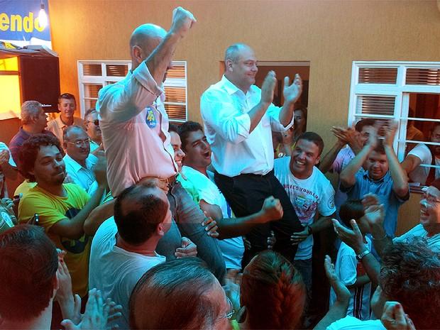 Alexandre Ferreira (PSDB) celebra vitórias nas eleições de Franca, SP (Foto: Adriano Oliveira/G1)