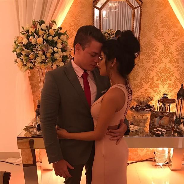 Munik Nunes faz declaração de amor para namorado, Anderson Felício (Foto: Reprodução do Instagram)