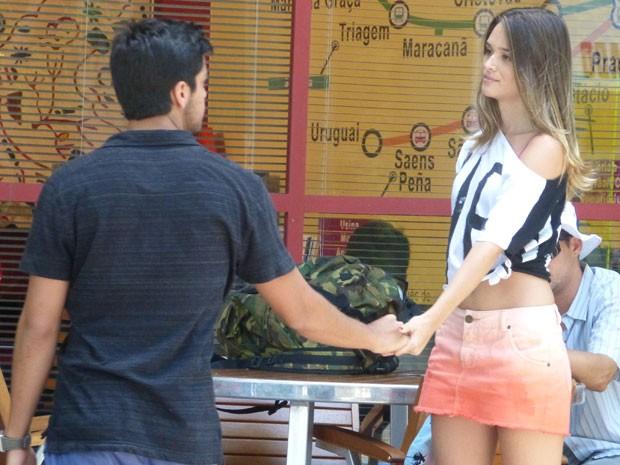 Como assi, Fatinha? Que papo errado é esse de que BruTinha não vai dar certo??? (Foto: Malhação / Tv Globo)