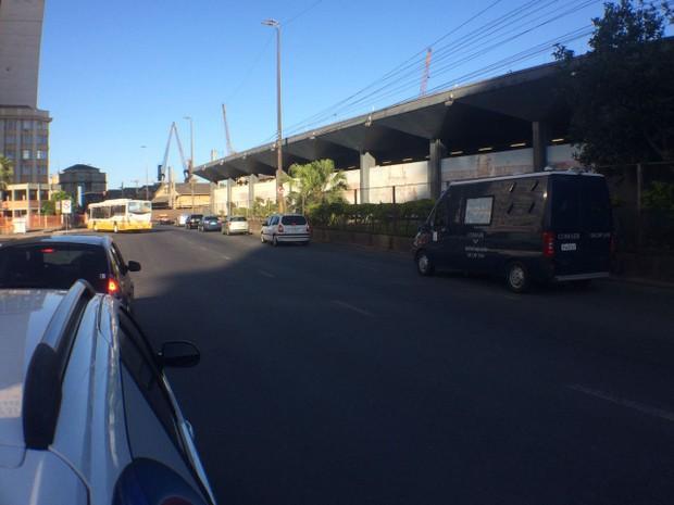 Cortejo em Porto Alegre com o ministro morto em um acidente aéreo no Rio de Janeiro (Foto: Bernardo Bortolotto/ RBS TV)