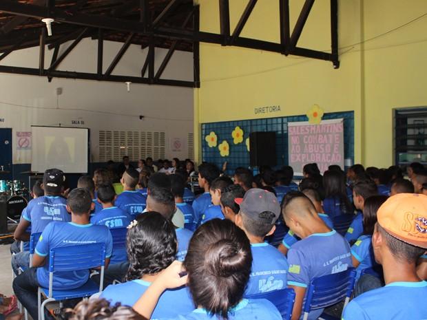 Escola onde as meninas estudavam em Castelo promoveu uma série de atividades (Foto: Patrícia Andrade/G1)
