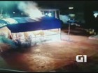 Vídeo mostra suspeito ateando fogo em presépio que foi destruído em SP