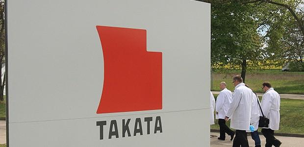 Fachada da Takata Ignition Systems em Schoenebeck, Alemanha (Foto: Jens Wolf/AFP)
