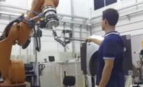 Engenheiro cria 'cobra robô' para uso em espaços confinados na indústria  (Reprodução)
