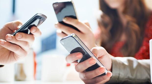 Vendas de smartphones batem recorde e crescem 50% no 3º trimestre