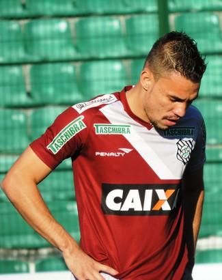 Léo Lisboa Figueirense (Foto: Renan Koerich)