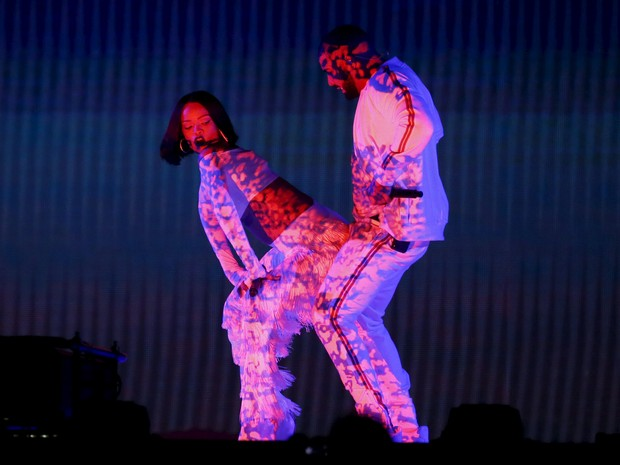 Rihanna e Drake se apresentam no Brit Awards, na noite desta quarta (24) (Foto: REUTERS/Stefan Wermuth)