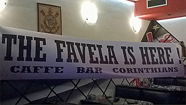 Bar é todo enfeitado com detalhes temáticos (Foto: Željko Pavletić/Arquivo Pessoal)