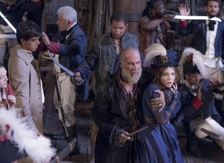 Piratas apavoram comitiva, e Anna 'acusa' Joaquim