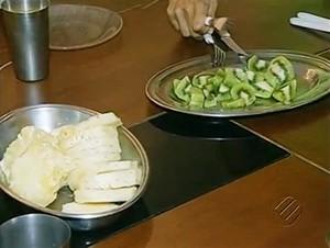 No café da manhã, frutas e sucos são indispensáveis (Foto: Reprodução/TV Liberal)