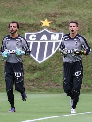 Uilson; Giovani; Victor; Atlético-MG (Foto: Bruno Cantini/CAM)