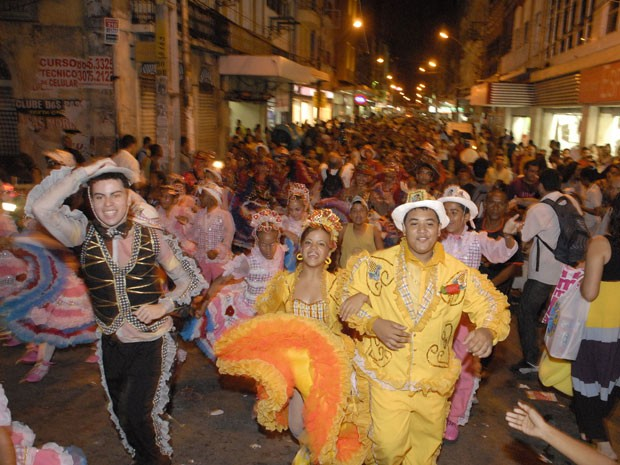 Cerca de 3 mil integrantes de quadrilhas juninas participam de caminhada no Recife (Foto: Divulgação / PCR)