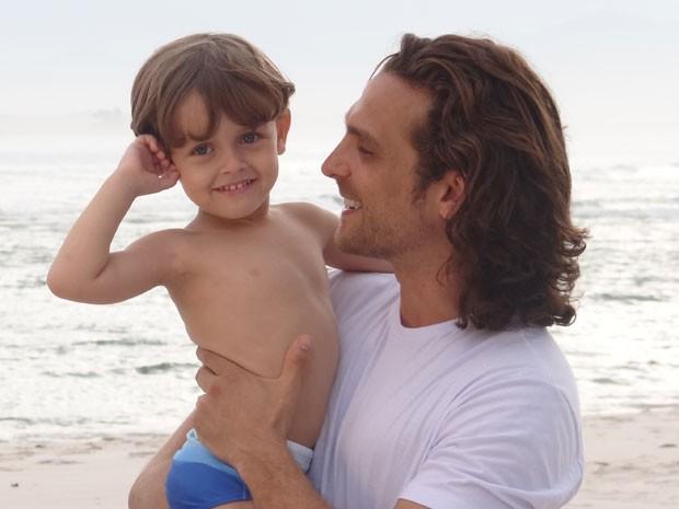 Igor com Gabriel Vechier, Samuca aos 5 (Foto: Flor do Caribe/TV Globo)