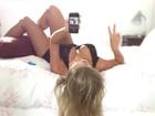 Ex-BBB Renatinha posa de lingerie, posta foto e ganha elogios: 'Perfeita'
