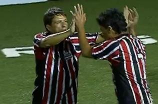 FRAME - São Paulo vence Portuguesa pelo Paulista de showbol (Foto: Reprodução SporTV)