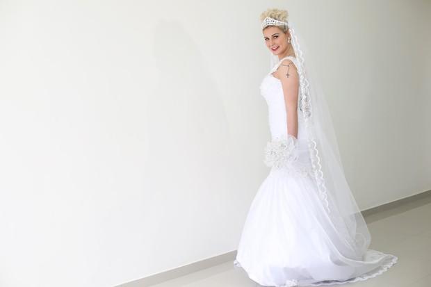 Andressa Urach de noiva para o EGO (Foto: Iwi Onodera / EGO)