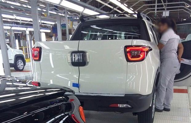 Picape Fiat Toro é flagrada na linha de montagem, em Goiana (PE) (Foto: Divulgação)