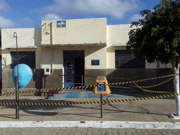 Agência foi explodida na cidade de São José dos Cordeiros, no Cariri da PB (Foto: Felipe Valentim/TV Paraíba)