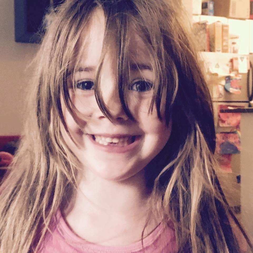 A filha de Toni (Foto: Reprodução - Facebook)