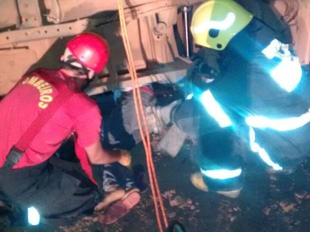 Segundo PM, 4 pessoas ficaram feridas no acidente em Monte do Carmo. (Foto: Divulgação )