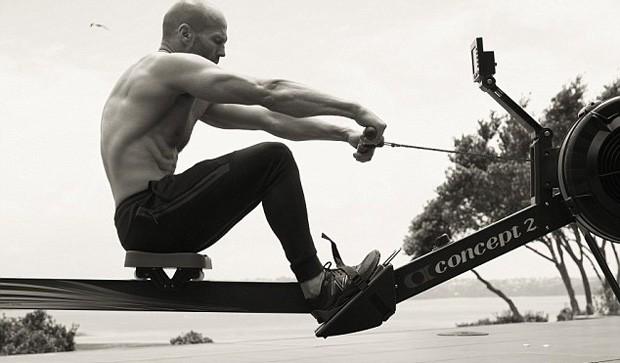 Jason Statham (Foto: Reprodução/Men´s Health)