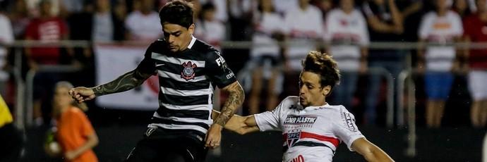 São Paulo x Corinthians Fagner Rodrigo Caio (Foto: Thiago Bernardes/Framephoto/Estadão Conteúdo)