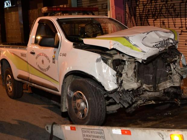 Veículo de trânsito da Prefeitura de São Bernardo do Campo atingiu carro dirigido por jovem (Foto: Edu Silva/Futura Press/Estadão Conteúdo)
