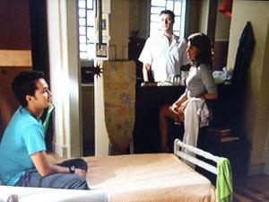 Tia Lu convence Omar a abrigar Ben (Foto: Malhação / TV Globo)