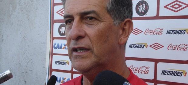 Ricardo Drubscky, técnico do Atlético-PR, em entrevista (Foto: Fernando Freire/GLOBOESPORTE.COM)
