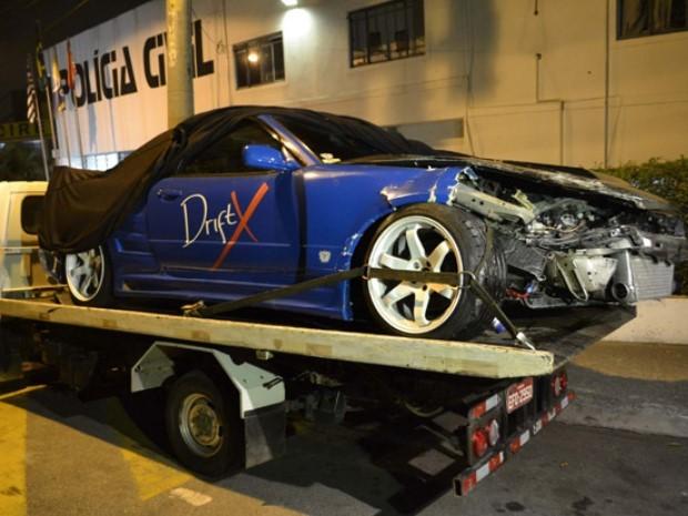 Carro que Fiuk guiava ficou bastante amassado (Foto: Edu Silva/Futura Press/Estadão Conteúdo)