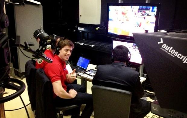 Luiz Razia durante a transmissão da Fórmula 1 no SporTV (Foto: Acervo pessoal)