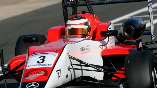 Pipo Derani, brasileiro da Fórmula 3 Inglesa, corre pela equipe Fortec (Foto: Jakob Ebray/ Divulgação)