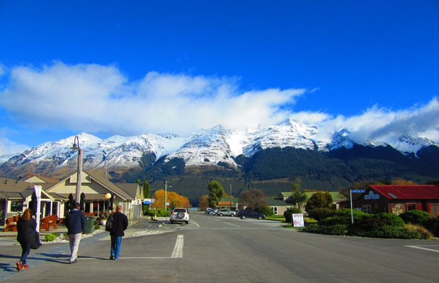 Cidade de Glenorchy é base para passeios que mostram paisagens presentes em filmes (Foto: Juliana Cardilli/G1)