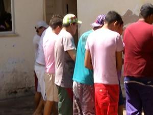 52c5ea4083 Presos estão na Central de Triagem da delegacia (Foto  Reprodução TV  Tapajós)