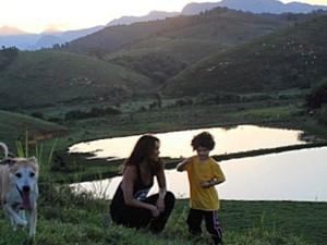 Mãe e filho curtem acampar (Foto: Arquivo Pessoal)