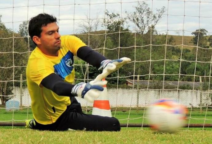 Vitor goleiro Londrina (Foto: Divulgação/SM Sports)