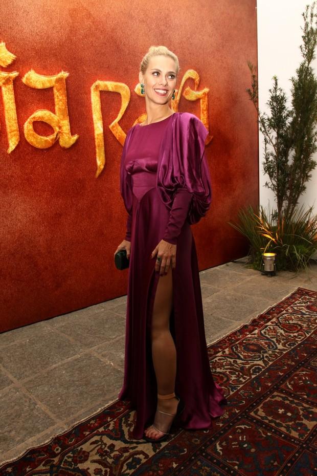 Carolina Dieckmann na festa de Joia Rara (Foto: Gabriela Andrade / Foto Rio News)