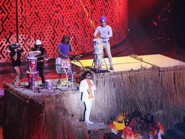 Léo Maia e Carlinhos Brown ensaiam (Foto: TV Globo / Alessandra de Paula)