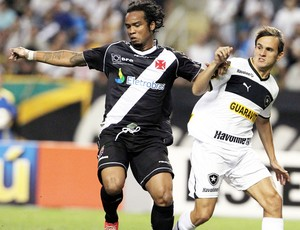 Carlos Alberto e Lucas - Vasco x Botafogo (Foto: Cezar Loureiro / Agência Globo)